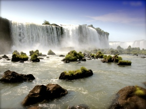 waterfall_desktop_background-1600x1200